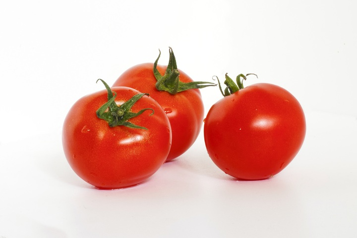 Ansiktsmask, oljig hy tomat