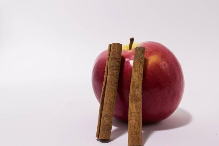Ansiktsmask, pormaskar äpple