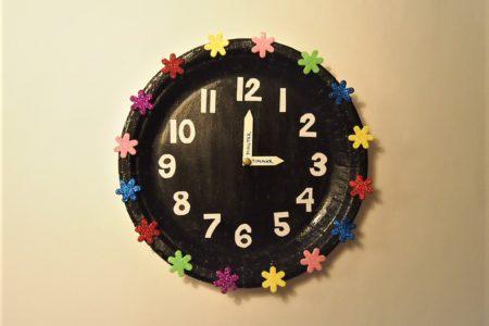 Pyssel, papptallrik klocka