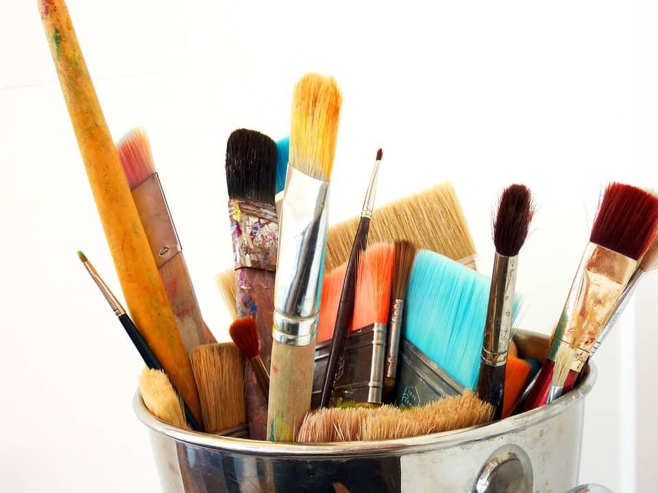 Måla, akrylfärg penslar